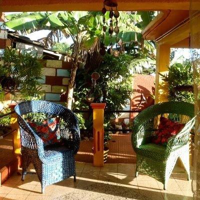 Cuba rondreis Het andere deel van Cuba casa particular Baracoa - Villa Paraiso portal
