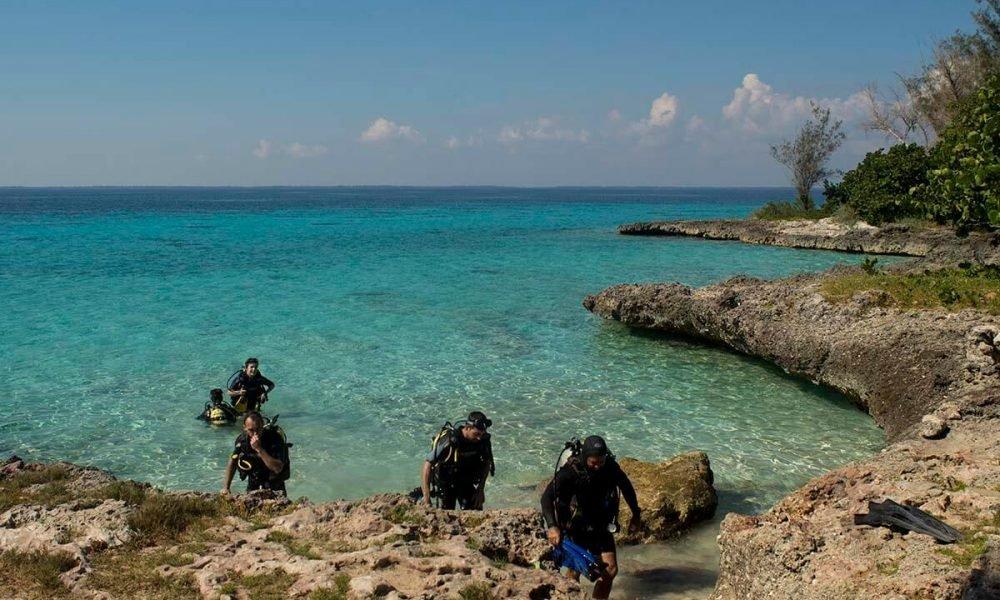 Cuba sitios de interés en Playa Girón Buceo en la playa