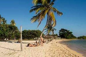 Viajar a Cuba con niños Caleta Buena