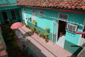 Cuba rondreis Het andere deel van Cuba casa particular Camaguey - Casa Aleida patio