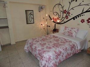 Cuba rondreis Het andere deel van Cuba casa particular Camaguey - Juneisi kamer