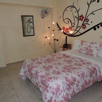 Cuba Viajes circuitos La otra mitad de Cuba casa particular Camaguey - Juneisi habitacion
