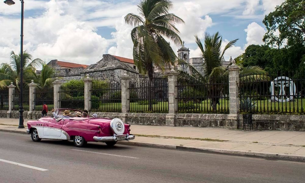 Cuba sites of interest Havana oldtimer