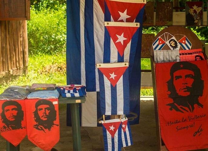 Cuba bezienswaardigheden Santa Clara Che vlagen