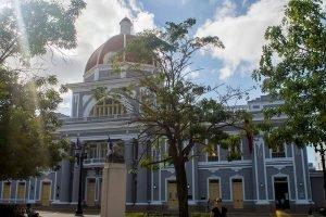 Cuba Viajes circuitos La Habana y centro Cienfuegos ayuntamiento