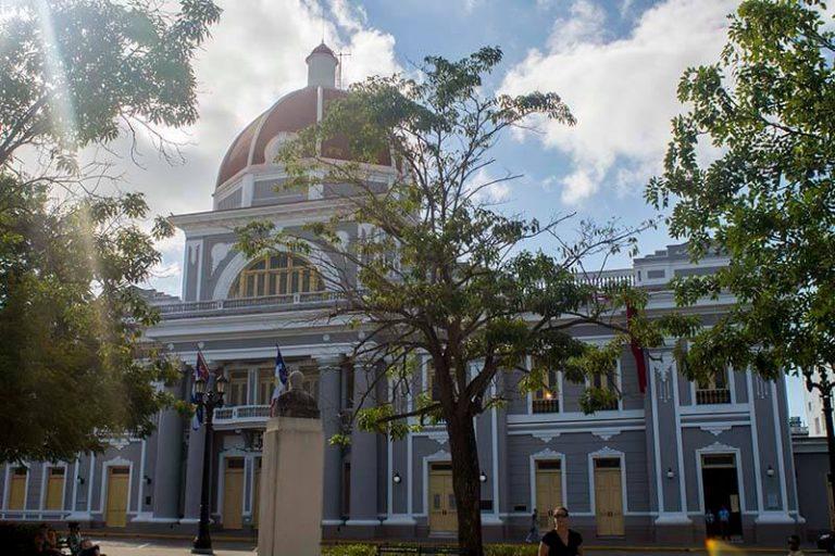Cuba rondreis Havana en het Centrum Cienfuegos gemeentehuis