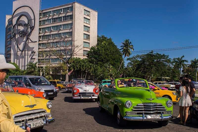 Cuba viajes circuito La Habana y Centro Plaza de La Revolución