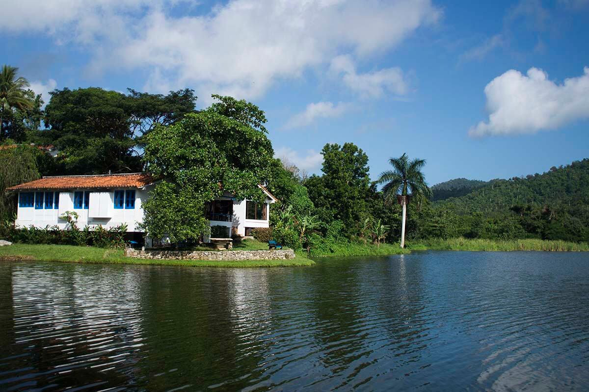 Cuba bezienswaardigheden Soroa - Las Terrazas witte huis