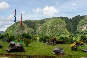 Cuba rondreis Cuba met kinderen Vinales Mogotes