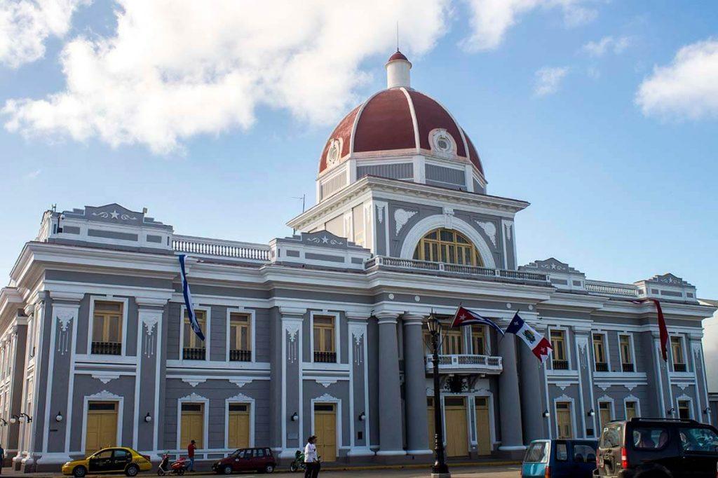 Cuba bezienswaardigheden Cienfuegos gemeentehuis