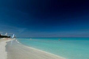 Viajar a Cuba con niños playa de Varadero Cuba