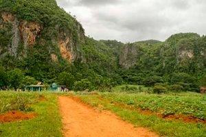 Viajar a Cuba con niños la casa en el mogote de Viñales