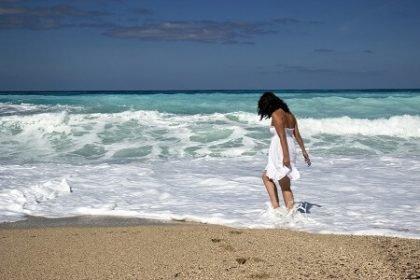 Reisgids Cuba meisje op strand