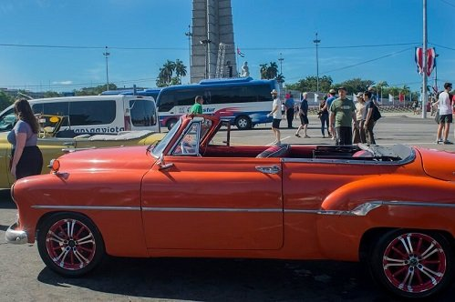 Cuba sitios de interes auto americano Plaza Revolucion 2