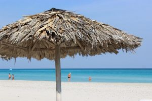 Cuba Viajes sitios de interes playa de Varadero con hermosa agua azul
