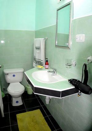 Cuba casas particulares bano verde