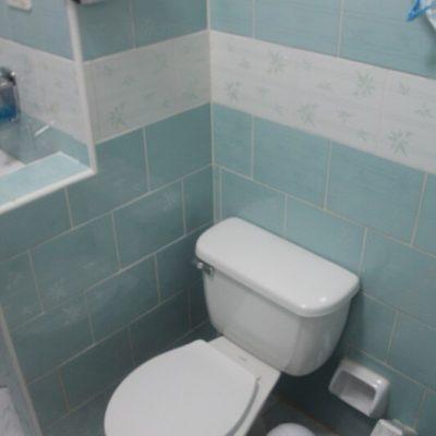 Cuba fotografie rondreis groene WC