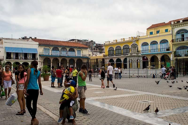 Recorrido de fotografia en Cuba La Habana Vieja Plaza Vieja
