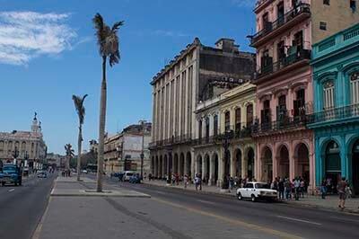 Circuito de salsa en Cuba Parque de la Fraternidad