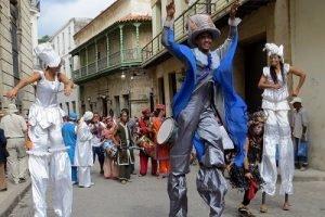 Recorrido de fotografia en Cuba bailando salsa