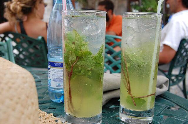 Cuba país seguro bebidas