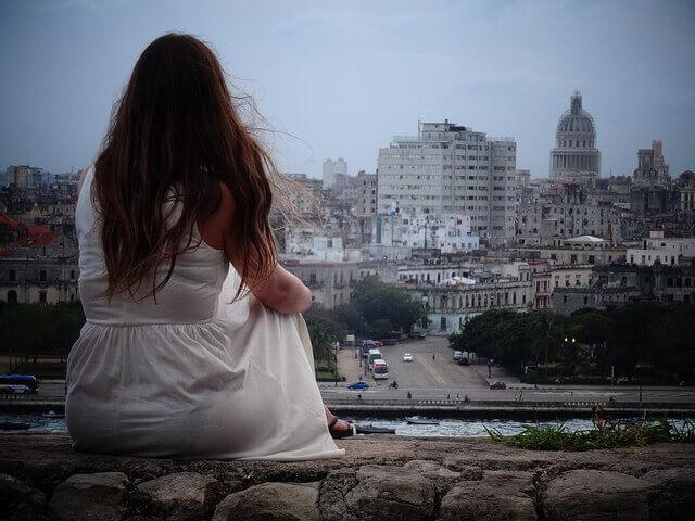 Cuba país seguro muchacha sola