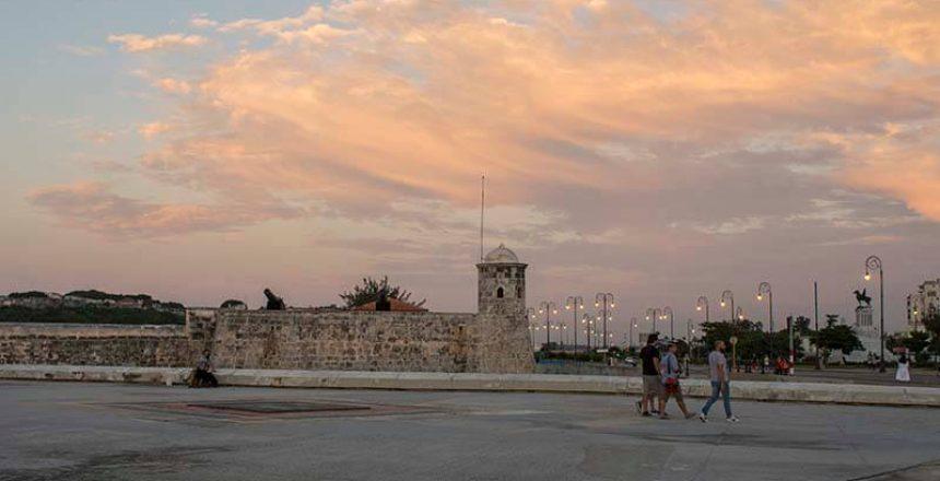 Cuba fotografie rondreis Malecon zonsondergang