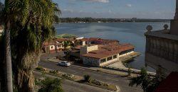 Cuba bezienswaardigheden Cienfuegos uitzicht naar zee